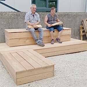 neues Sitzmoebel der MutMacherMenschen